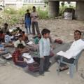 दिल्ली मेट्रो के यमुना बैंक स्टेशन के पास ऐसी ही एक अनूठी और प्रेरणादायी पाठशाला है. सभी फोटो: विकास कुमार