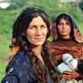 माना जाता है कि यूरोप में रोमा-सिंती समुदाय के एक करोड़ से भी अधिक लोग रहते हैं.