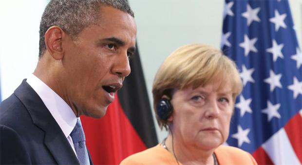 जबकि पूण् एक संयुक्त प्रेस कॉन्फ्रेंस में अमेरिकी िा£परत बिाक ओबामा औि जमि्न चांसलि अंगेला मेकि्ल