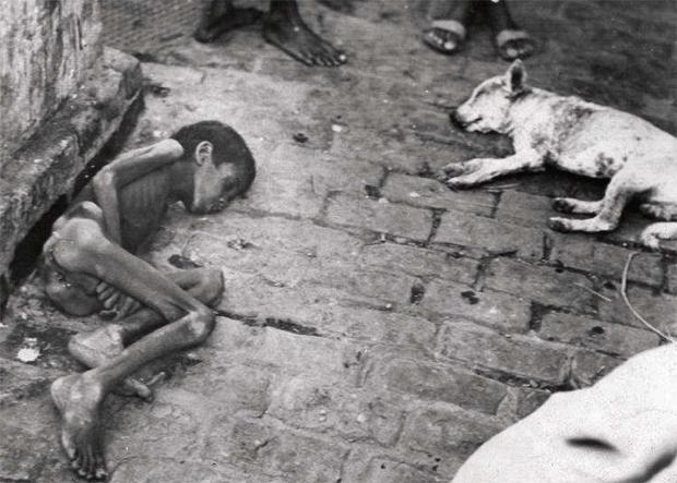 वर्ष 1943-44 में बंगाल में भीषण अकाल पड़ा था. इस अकाल में करीब 40 लाख लोगों की मौत हो गई थी.