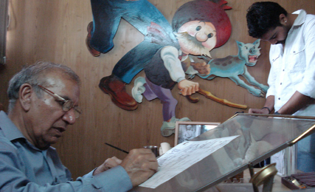 Shooting-Cartoonist-Pran-(Chacha-Chaudhary)