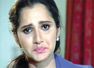 सानिया मिर्जा एक साक्षात्कार के दौरान भावुक हो गईं.