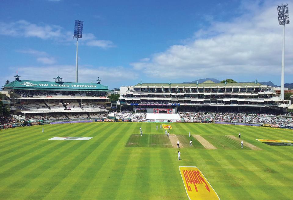 बदलाव एक जमाना था जब टेस्ट मैचों के दौरान स्टेडियम खचाखच भरे रहते थे, लेकिन अब दर्शक नाममात्र के होते हैं