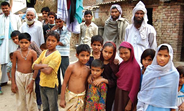 क्या सचमुच मुसलमान जान-बूझकर अपनी आबादी बढ़ा रहे हैं, ताकक एक कदन वे भारत में बहुसंख्यक हो जाएं?