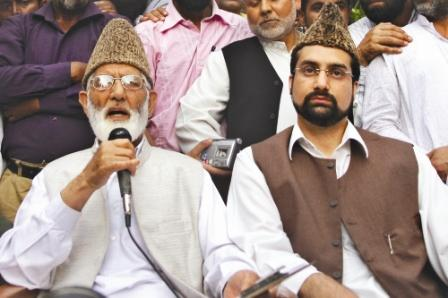 syed geelani(Left) with Umar Farooq at a protest. Photo by Javed Dar/Tehelka