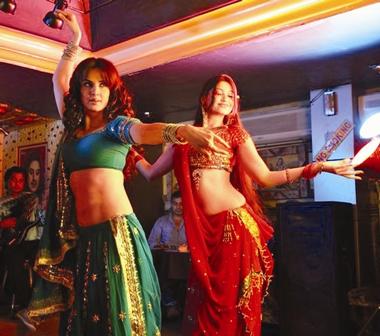 Rukhsar-inspired-by-Tabu-Chandani-Bar-1 web