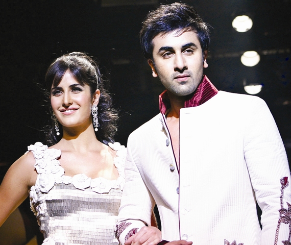 katrina-kaif-and-ranbir-kapoor-wallpaperWEB