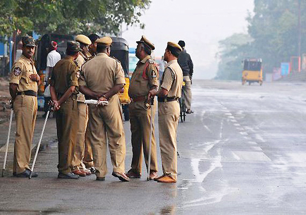 IndiaTvf13bc4_bihar_police_ak47_maoist
