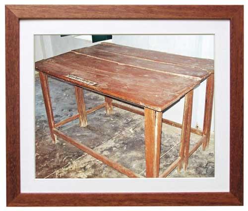 भितिहरवा आश्रम में रखे इस टेबल का इस्तेमाल गांधी लिखने-पढ़ने के लिए किया करते थे