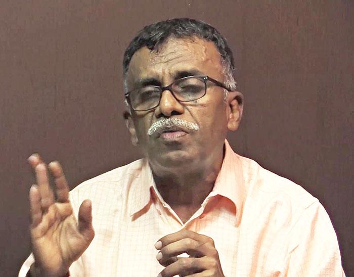 'गुजराती समाज के सांप्रदायिकीकरण  की लंबी प्रक्रिया चलाई गई थी'