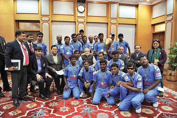 विश्वकप विजेता टीम से प्रधानमंत्री नरेंद्र मोदी ने भी मुलाकात की थी. बावजूद इसके ब्लाइंड क्रिकेट के आर्थिक हालात में कोई सुधार नहीं आया