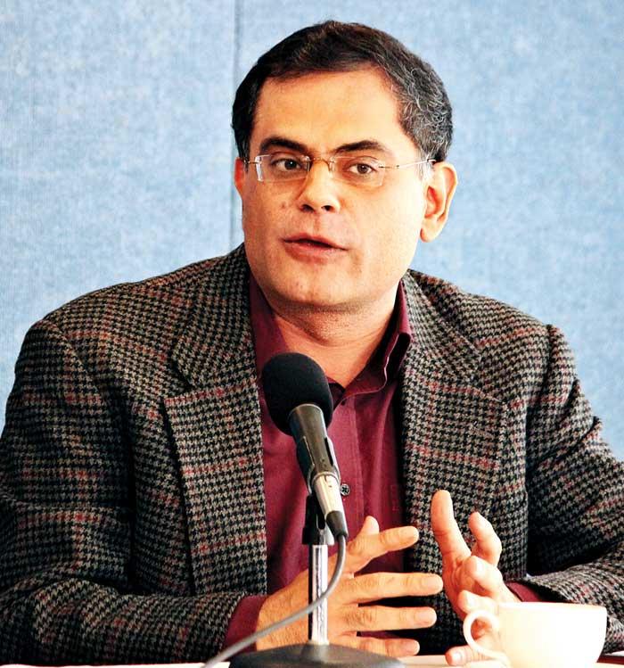 भारत-पाक शांति वार्ता का विरोध करने वाले दोनों ही तरफ बहुत-से लोग हैं : रज़ा रूमी
